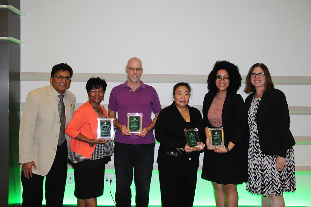 photo of sekhar chivukula and deb dotterer with advising award winners